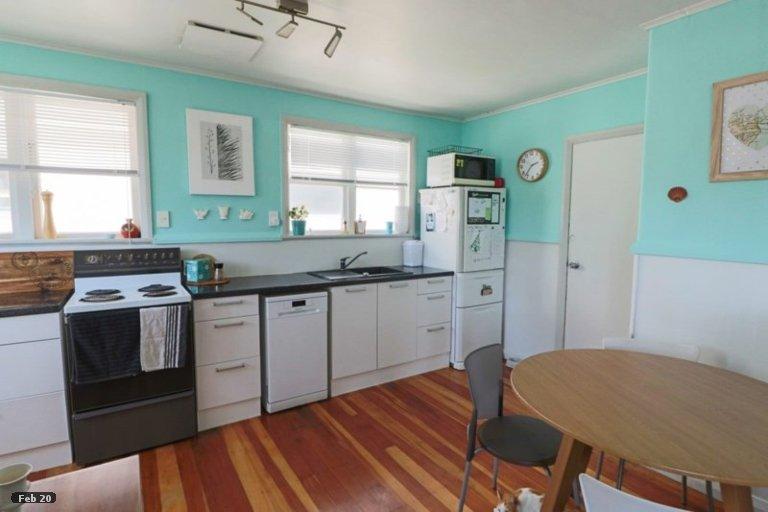 Photo of property in 7 Hulke Street, Foxton, 4814