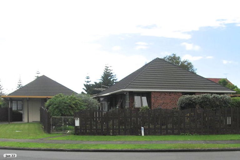 Property photo for 2/4 Tomintoul Place, Highland Park, Auckland, 2010
