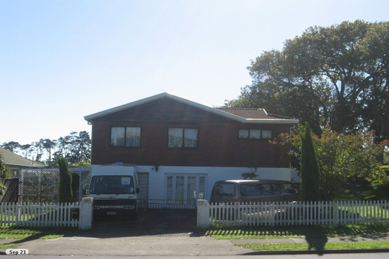 Property photo for 206 Cascades Road, Highland Park, Auckland, 2010