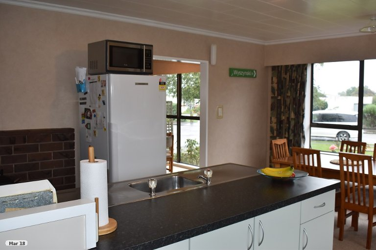 Property photo for 4 Chisholm Place, Carterton, 5713