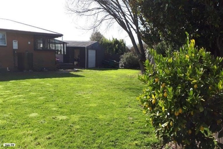 Property photo for 8 Lomond Place, Woolston, Christchurch, 8062