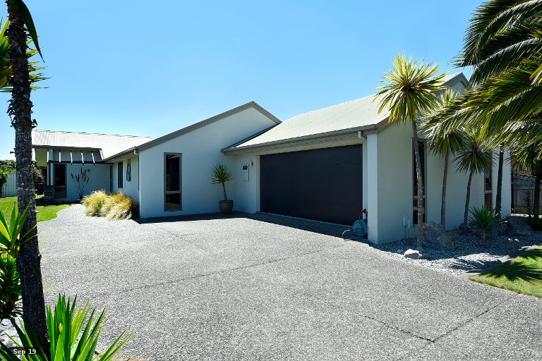 Photo of property in 40 Hoult Crescent, Monaco, Nelson, 7011