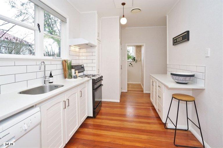 Property photo for 6 Casey Avenue, Fairfield, Hamilton, 3214