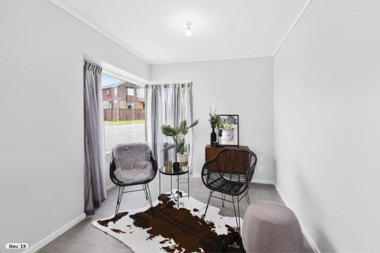 Photo of property in 2 Coventry Close, Ascot Park, Porirua, 5024
