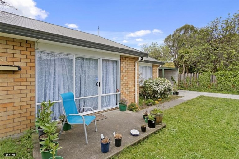 Property photo for 2/18 Smith Street, Woolston, Christchurch, 8062