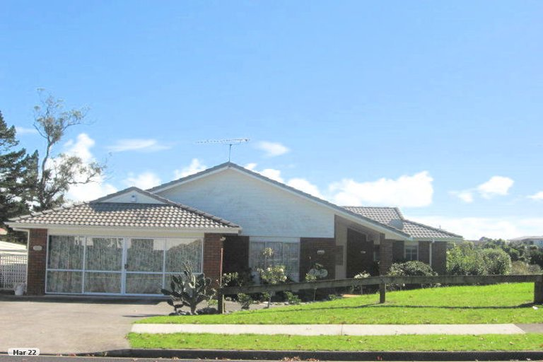 Property photo for 22 Lochend Place, Highland Park, Auckland, 2010