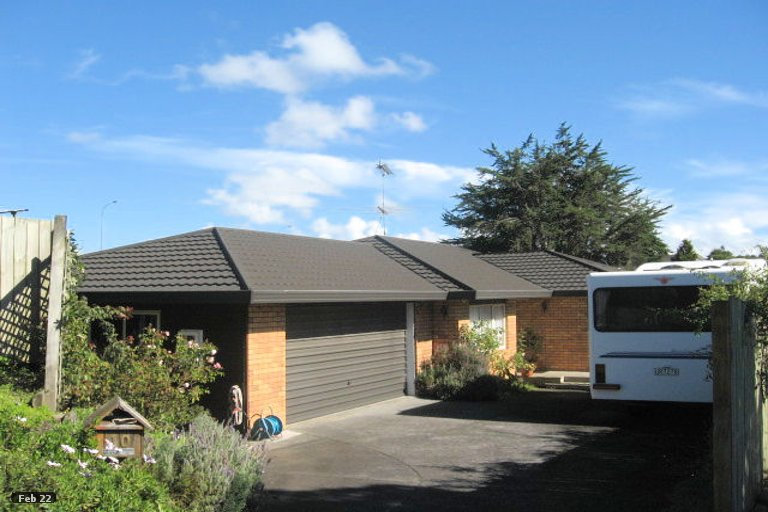 Property photo for 10 Lochend Place, Highland Park, Auckland, 2010