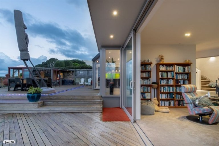 Property photo for 1/909 Beach Road, Waiake, Auckland, 0630
