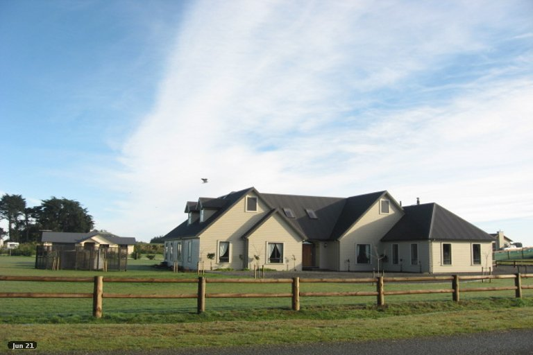 Photo of property in 84 Black Road, Otatara, Invercargill, 9879