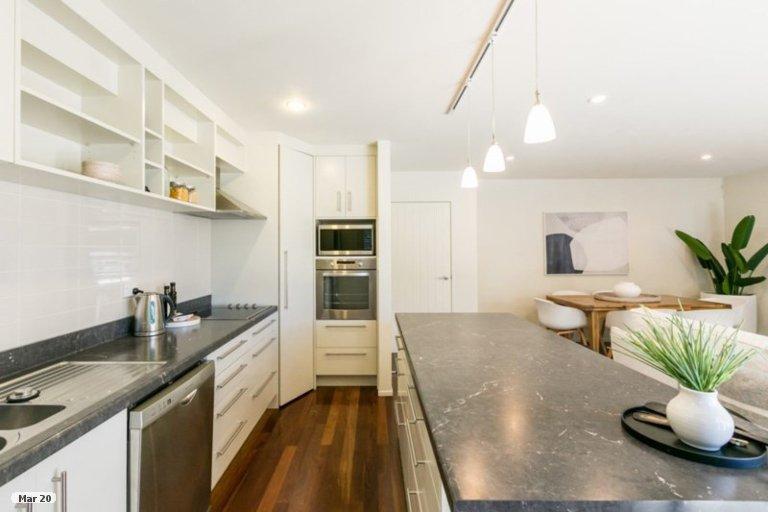 Photo of property in 12 Winston Lane, Ahuriri, Napier, 4110
