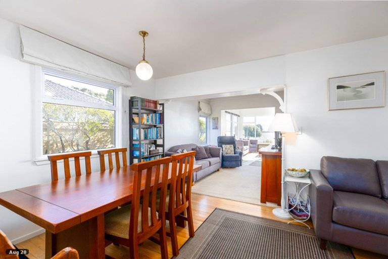 Photo of property in 14 Martin Street, Monaco, Nelson, 7011