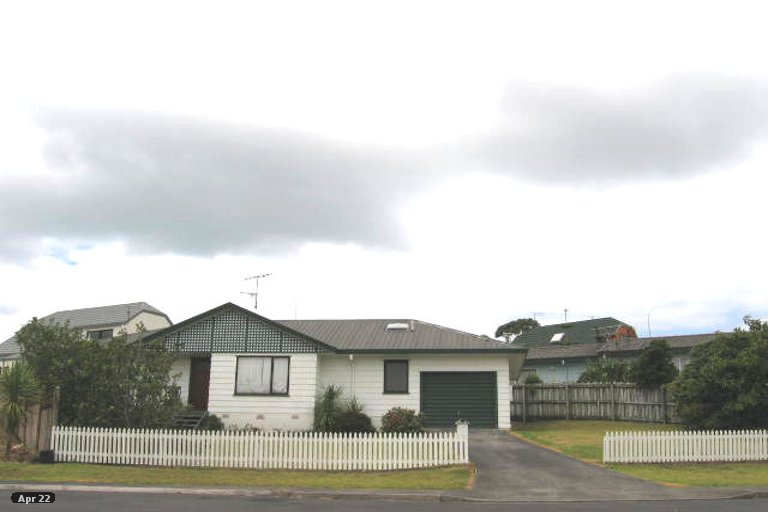 Property photo for 15 Altair Place, Windsor Park, Auckland, 0632
