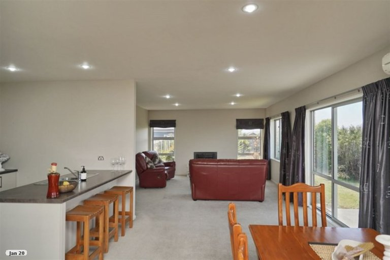 Property photo for 11 Saint Peters Close, Woolston, Christchurch, 8062