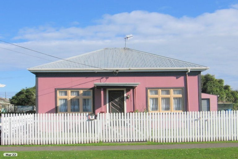 Photo of property in 4 Hillary Street, Foxton, 4814