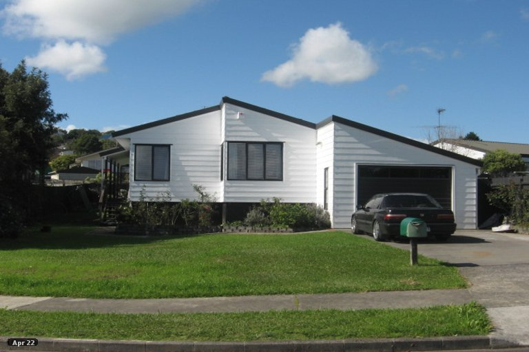 Property photo for 19 De Quincey Terrace, Highland Park, Auckland, 2010