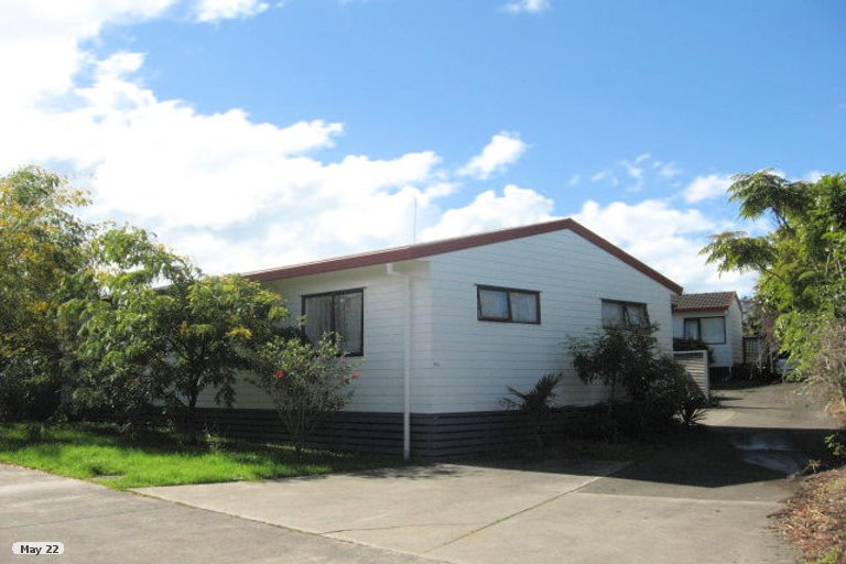 Property photo for 2/27 De Quincey Terrace, Highland Park, Auckland, 2010