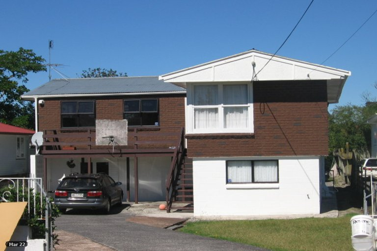 Property photo for 15 Kuaka Place, New Lynn, Auckland, 0600
