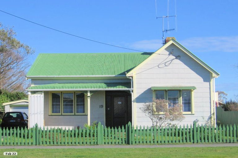 Photo of property in 19 Futter Street, Foxton, 4814