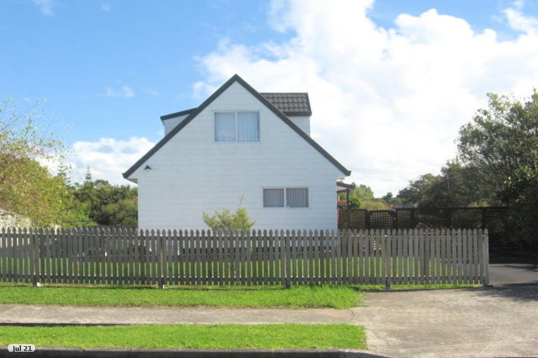 Property photo for 37 De Quincey Terrace, Highland Park, Auckland, 2010