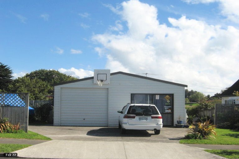 Photo of property in 39 De Quincey Terrace, Highland Park, Auckland, 2010