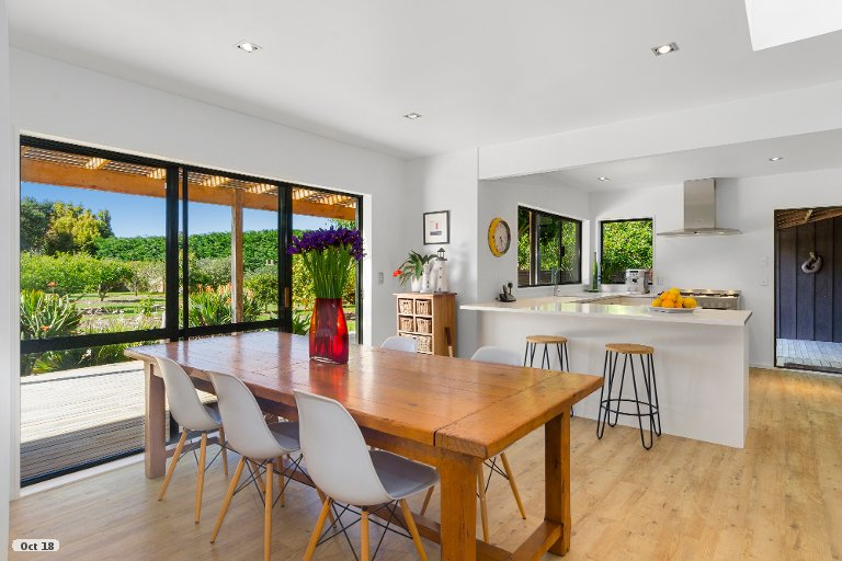 Photo of property in 323 Point Wells Road, Point Wells, 0986
