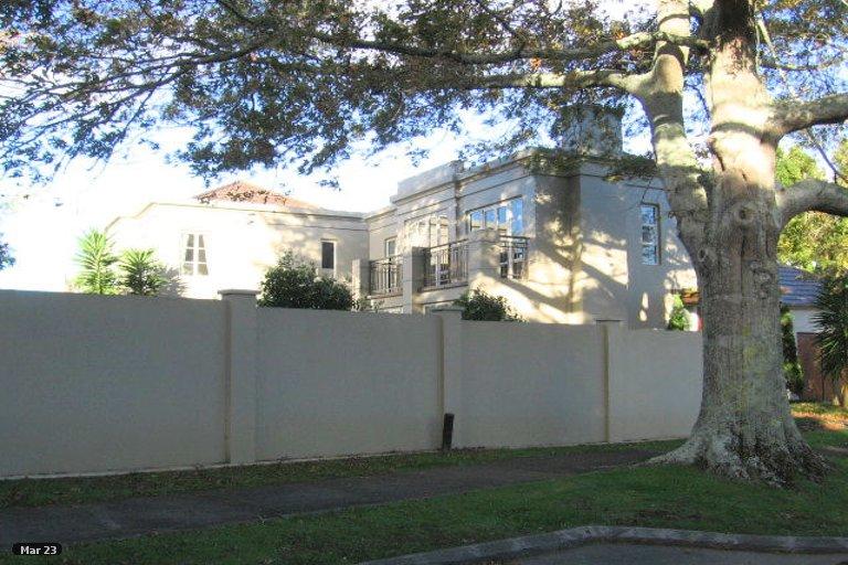 Property photo for 3/1 Acmena Lane, Pakuranga, Auckland, 2010