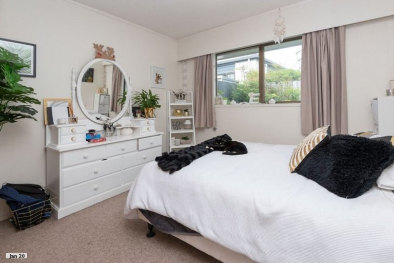 Property photo for 2/77 Stanniland Street, Sunnyhills, Auckland, 2010