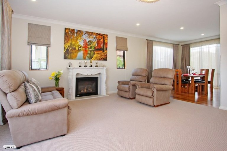 Property photo for 27 Amberwood Drive, Northpark, Auckland, 2013