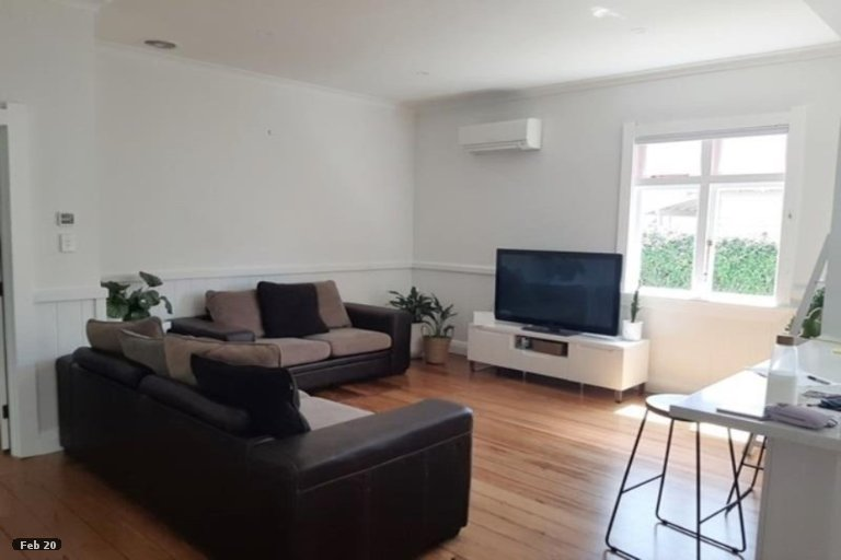 Photo of property in 211 Coronation Avenue, Welbourn, New Plymouth, 4310
