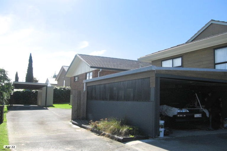 Photo of property in 2/18 De Quincey Terrace, Highland Park, Auckland, 2010