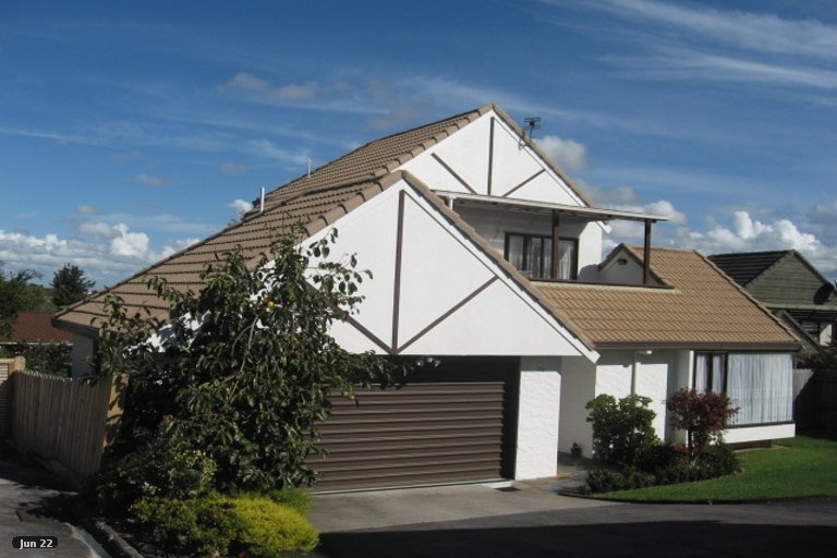 Property photo for 1/7 Eske Place, Highland Park, Auckland, 2010