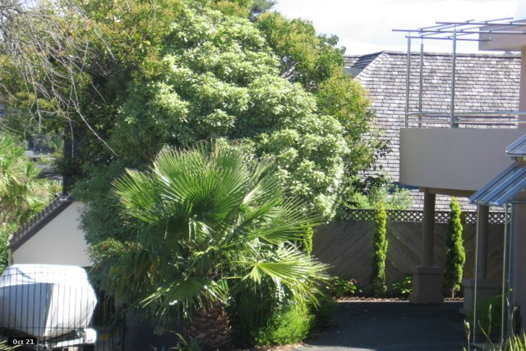 Property photo for 1/18 Gulf View Road, Murrays Bay, Auckland, 0630