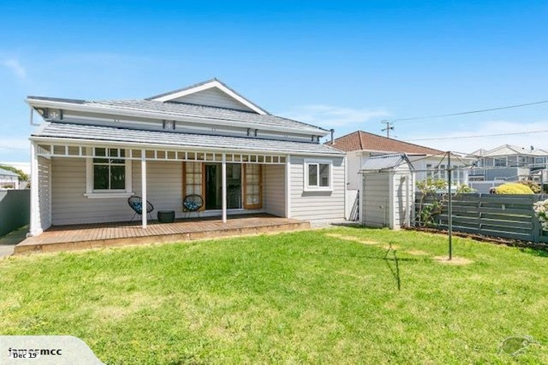 Photo of property in 9 Adelaide Street, Petone, Lower Hutt, 5012