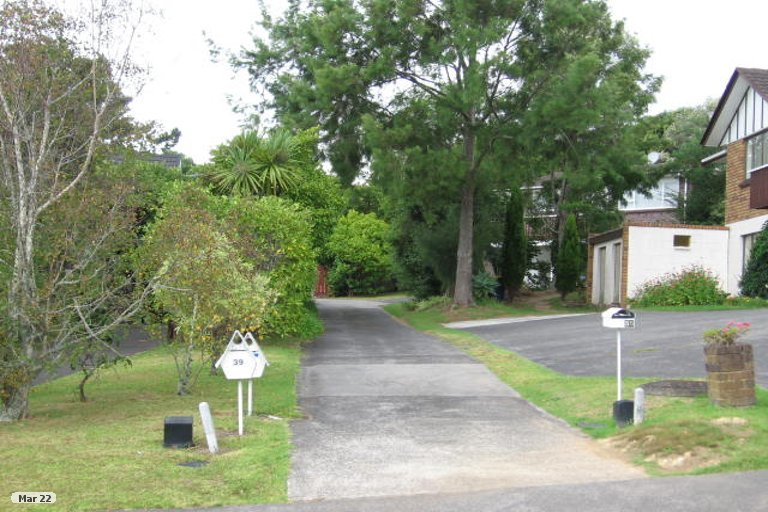 Photo of property in 39 Catalina Crescent, Forrest Hill, Auckland, 0620