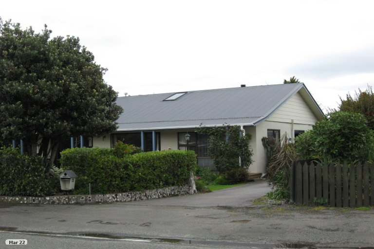 Photo of property in 98 Point Road, Monaco, Nelson, 7011
