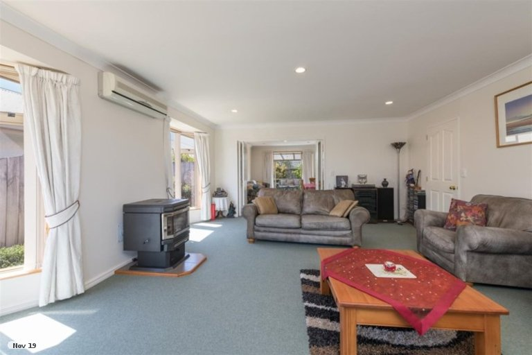Photo of property in 38 Hoult Crescent, Monaco, Nelson, 7011