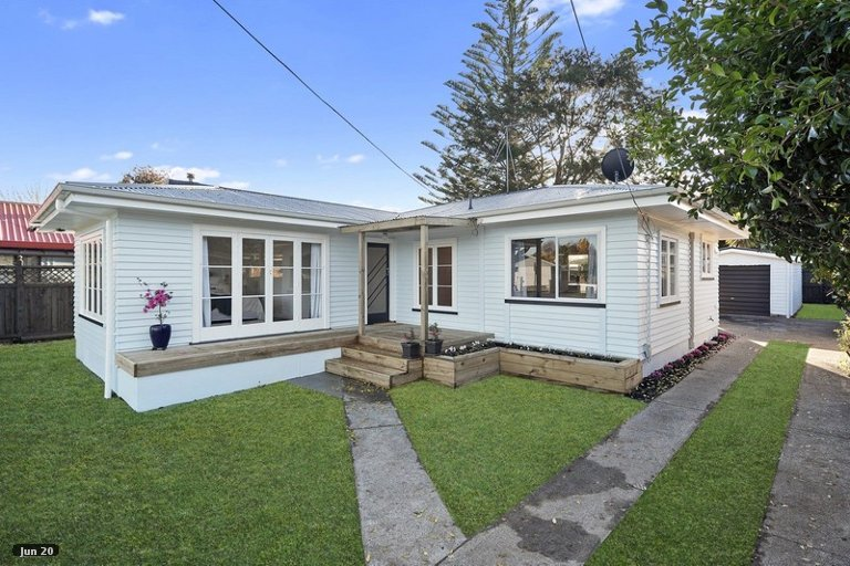 Photo of property in 99 Brookfield Street, Hamilton East, Hamilton, 3216