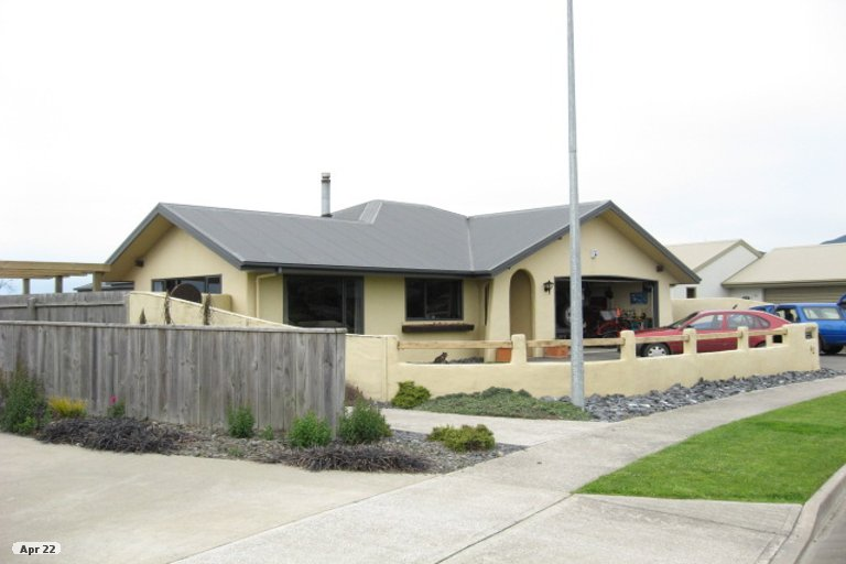 Photo of property in 42 Hoult Crescent, Monaco, Nelson, 7011