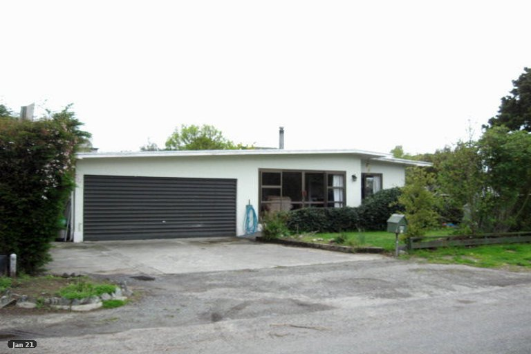 Photo of property in 20 Martin Street, Monaco, Nelson, 7011