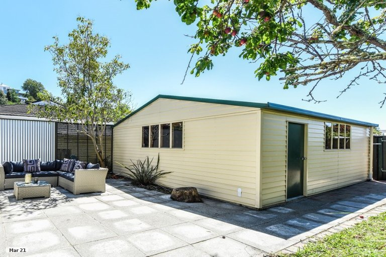 Photo of property in 66 Wellington Street, Nelson South, Nelson, 7010