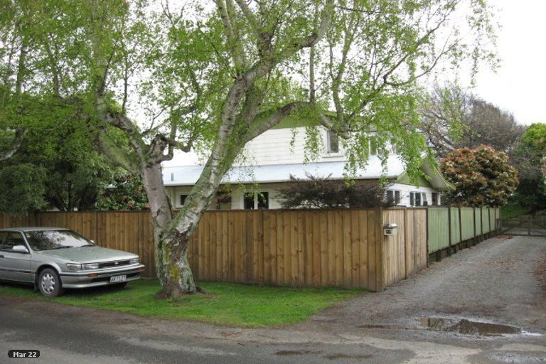 Photo of property in 22 Martin Street, Monaco, Nelson, 7011