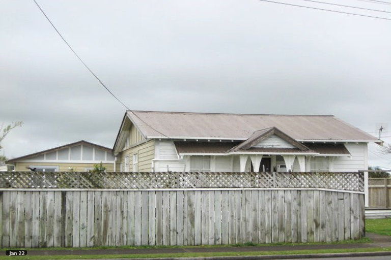 Photo of property in 8 Oriental Street, Welbourn, New Plymouth, 4312