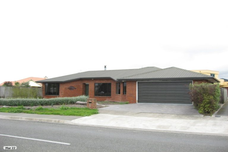 Photo of property in 20 Point Road, Monaco, Nelson, 7011