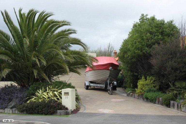 Photo of property in 10 Point Road, Monaco, Nelson, 7011