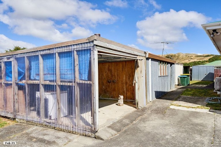 Photo of property in 29 Aberfeldy Street, Cannons Creek, Porirua, 5024