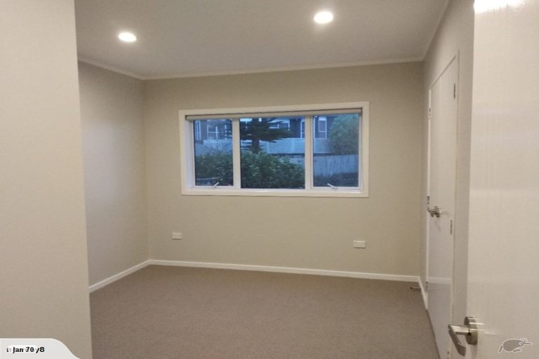 Property photo for 24 Pitlochry Place, Highland Park, Auckland, 2010