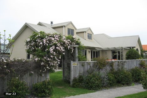 Photo of property in 18 Hoult Crescent Monaco Nelson City
