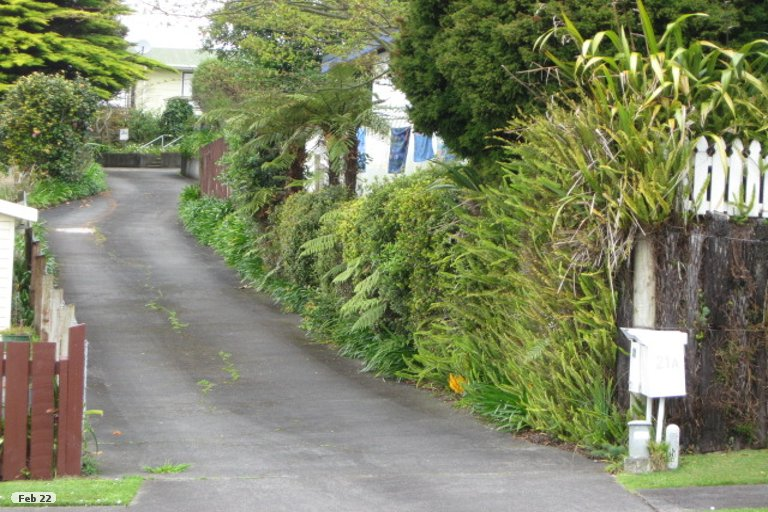 Photo of property in 21B Salcombe Terrace, Welbourn, New Plymouth, 4312