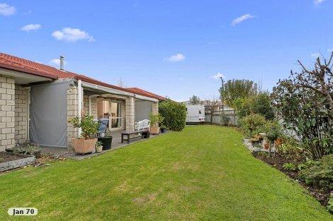 Photo of property in 1 Alva Glen Place Pyes Pa Tauranga City