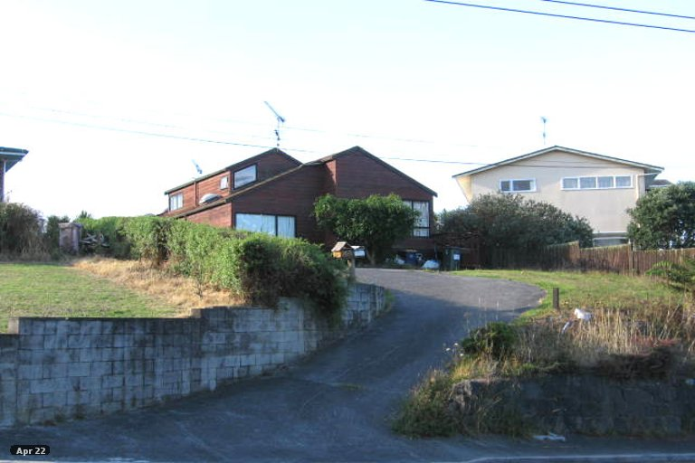 Property photo for 2/3 Ellangowan Road, Waiake, Auckland, 0630